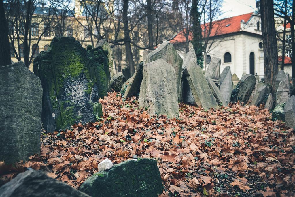 Más de 12.000 lápidas alberga el antiguo cementerio judío | Josefov