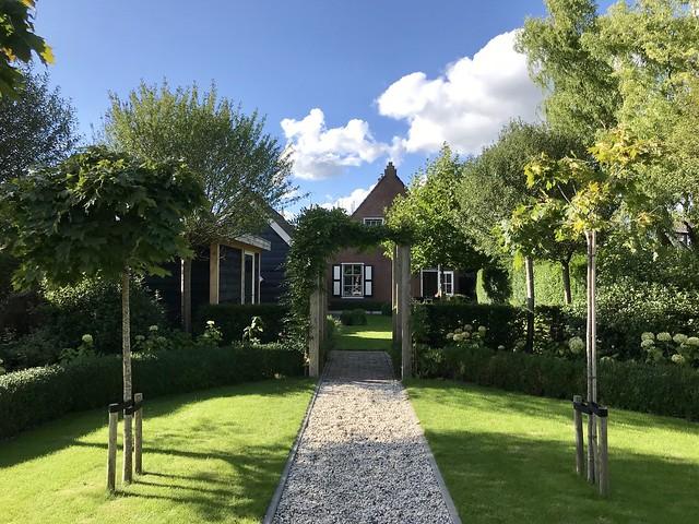 Witte tuin landelijke stijl