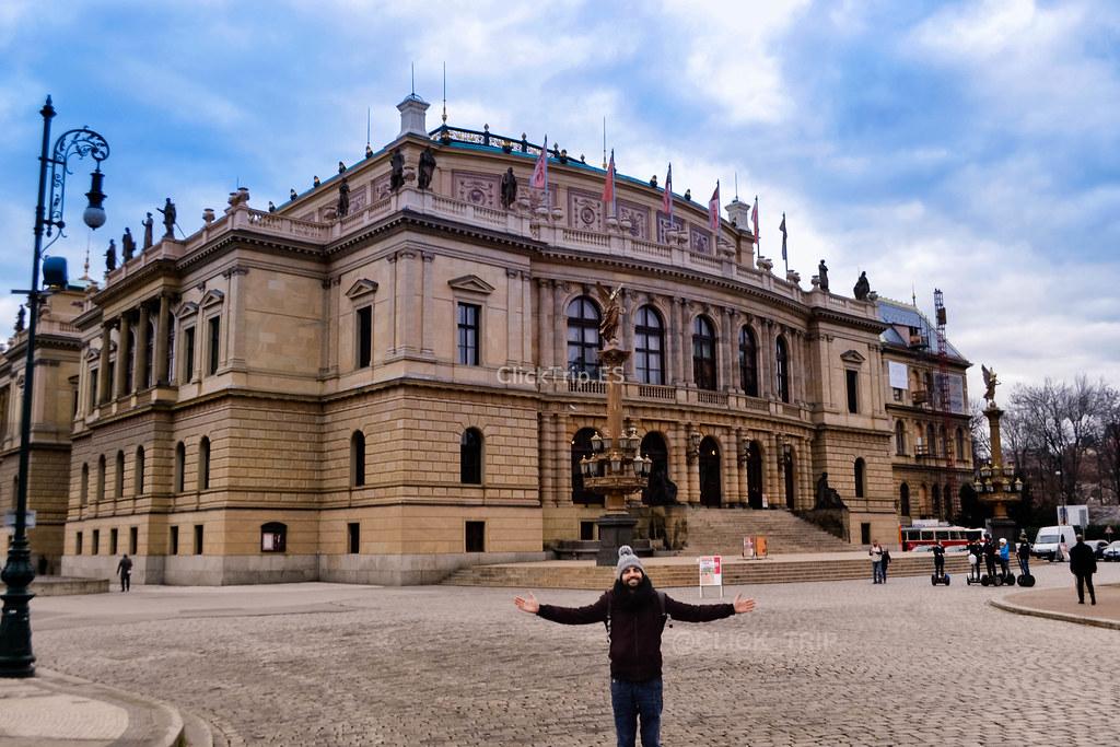 Plaza del RUDOLFINUM | Praga
