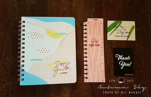 graphic about Design Your Day named Evaluation] Style and design Your Daily life Planner 2019 - Autumn Sky