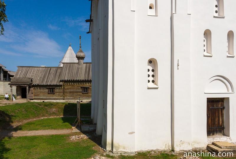 Георгиевский собор и церковь Димитрия Солунского, Староладожская крепость, крепость Старая Ладога
