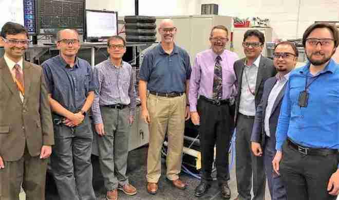 équipe-de-chercheurs-conception-rechargeur-sans-fil