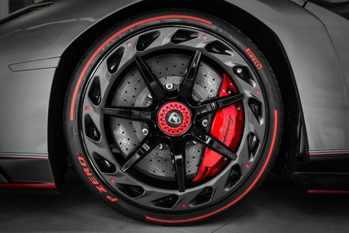 Lamborghini-veneno (2)