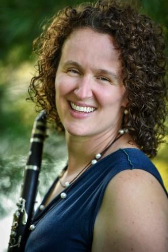 Anne Bara, clarinet