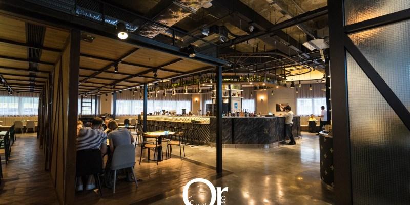 香港住宿 荃灣旭逸酒店,位在荃灣,前往迪士尼或東涌 OUTLET 都很快,具備超大住宿空間非常舒適的住宿品質