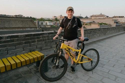 Tony with his Java bike on Xi'an city wall
