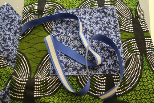 ribbon tote tutorial, select your ribbon for handles