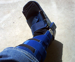 A walking cast/boot
