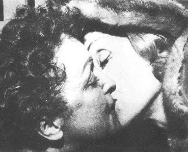 ENRIQUE DEL POZOTHE KISS EDITH PIAF Y MARLENE DIETRICH BESO by enrique del pozo.