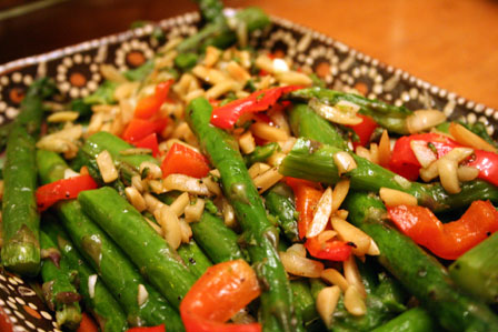Asparagus with chilis and almonds