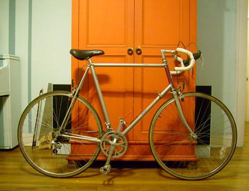Converting a Road Bike to a Commuter Bike (2/4)
