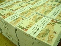 dinheiro por Newton Calegari