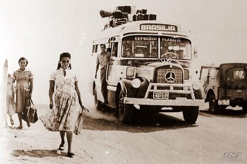 Ônibus para Brasília by = xAv = ().