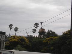 Le télepherique de Salta. Pour 12 pesos, vous grimpez au cerro san Bernardo surplombant la ville. On l'a pas fait car on dit ici que c'est pas top top.