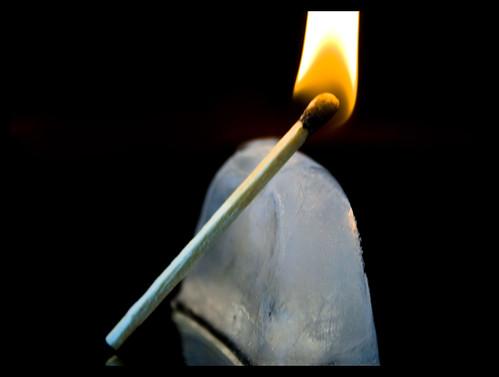 Vad stoppar elden? (Bild från fliccr)