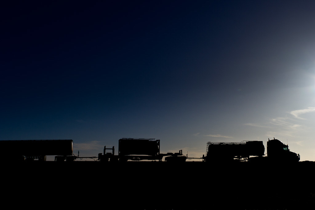J11 / Silhouette : Road Train