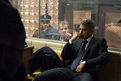 Clooney (Michael) pensativo