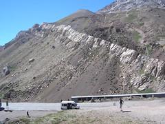 des curoisités geologiques, une strate de granit emprisonnée sur des dizaines de kilometres