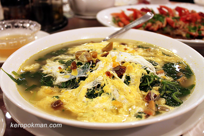 Simmered Chinese Spinach with Two Types of Eggs in Superior Stock