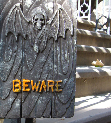 beware halloween nueva york