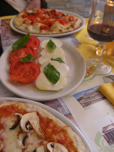 pizza and caprese salads... yum!