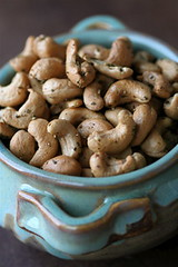 Rosemary-Roasted Cashews