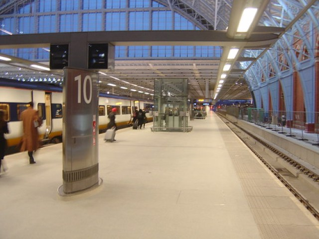 Eurostar Train at London St Pancras (2)
