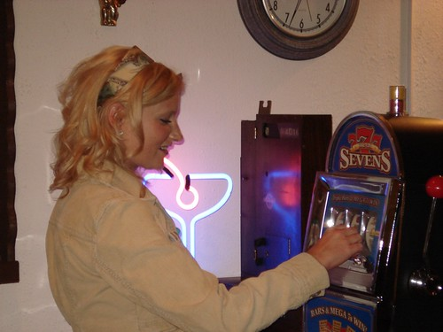 Cara Playing Slots