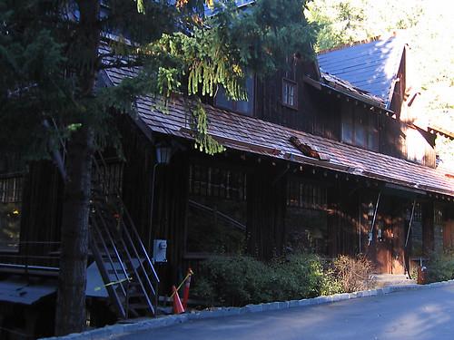 Day 09 - Oregon Cave Chateau Entrance