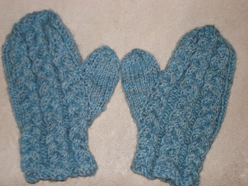 Cozy Cable Mitts