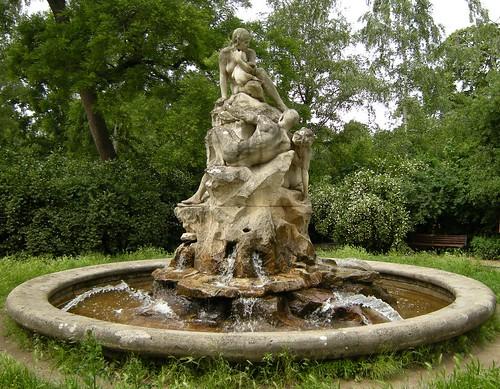 Brunnen auf dem Perelsplatz 1