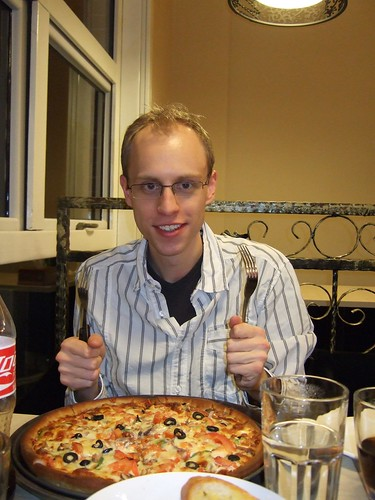 Pizza with two forks