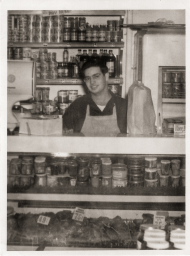 Merrill as a teenager in Glassmans Market.jpg