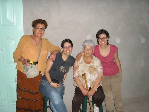 Toni, Difda, iaia Maria i Cris a casa l'Addi, Goulmima