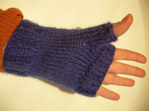 Evangeline mittens, back