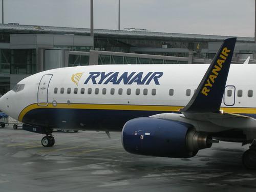 Ryanair airplane (by Aurelijus Valeiša)