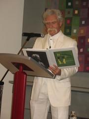 Alan Kitty as Mark Twain