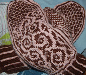 finished anemoi mittens2
