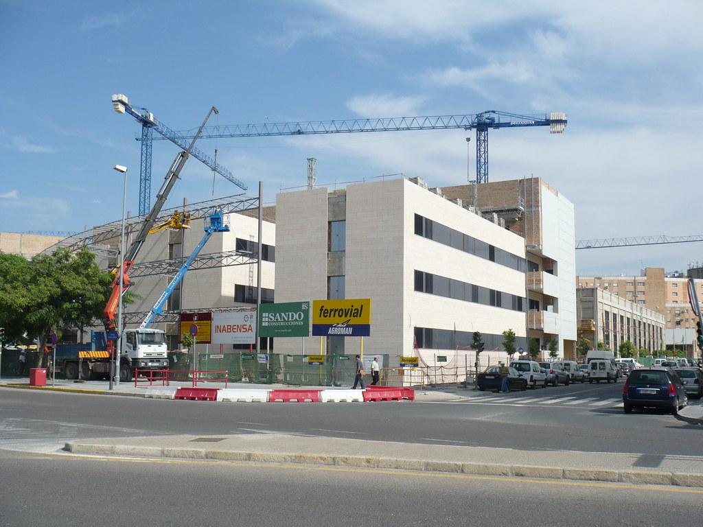 nueva facultad de Derecho por detrás (en construcción)