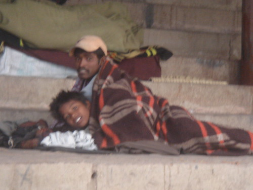 Ganges River1-30恆河台階下的流浪人