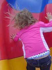 heehee! Her hair has static