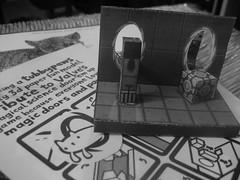 Photo d'un découpage papier représentant Portal