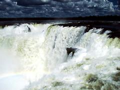 Cataratas del Iguazú 027 (arcoiris sobre la Ga...