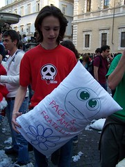 pillow fight 08 113