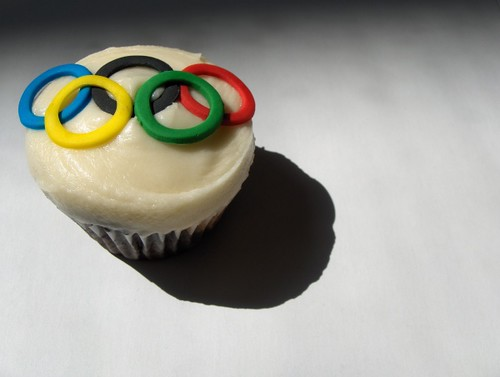 Beijing 2008 Olympic Cupcake by clevercupcakes.