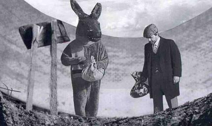 Man, donkeys have HUGE bindles.