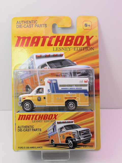 matchbox lesney ford e-350 ambulance (1)