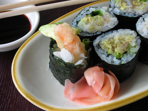 sushi- crunchy shrimp roll