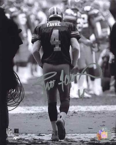 Brett Favre Retires