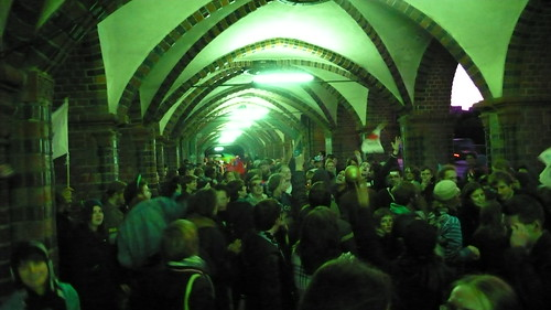 Party im Ziel auf der Oberbaumbrücke: Die Rennleitung sagte aus, dass Team Blau gewann.